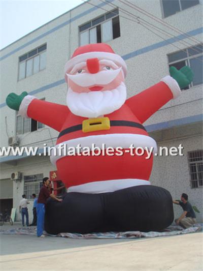 Outdoor giant santa inflatable christmas holiday